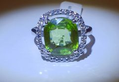 9WG Peridot and Diamond Cluster Ring