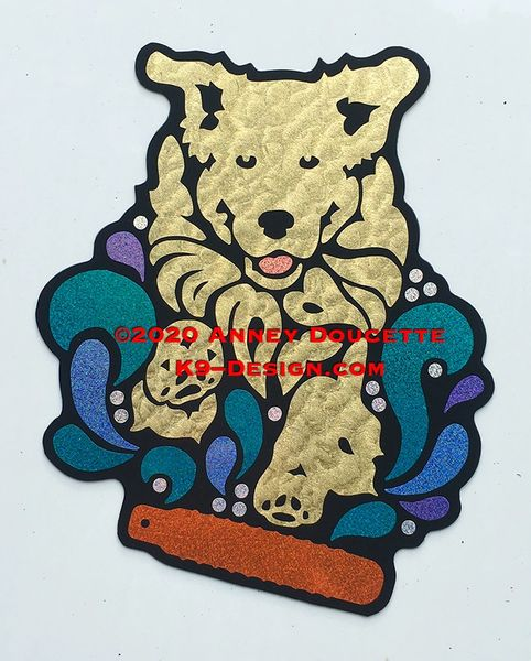 "Golden Retriever ""Finn"" Splash Diving Bumper Magnet - Choose Color"