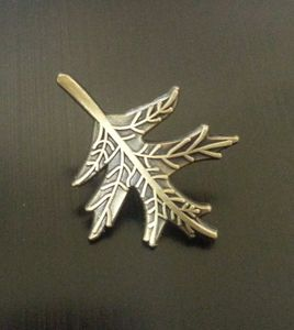 Memorial pins for ladies or men