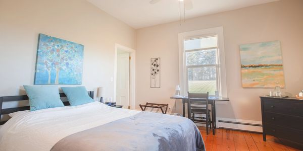 Deluxe Queen Room with Ensuite Bath, Mahone Bay Accommodations, Mahone Bay B&B