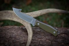 The Neuse (Gut Hook Knife)