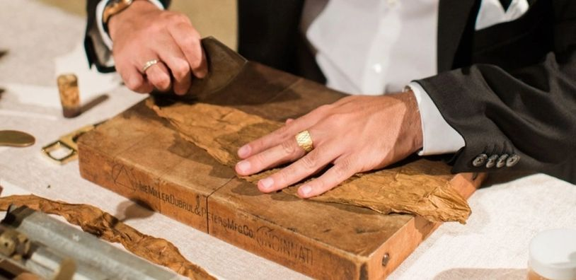 Live Cigar Rolling at an Event.