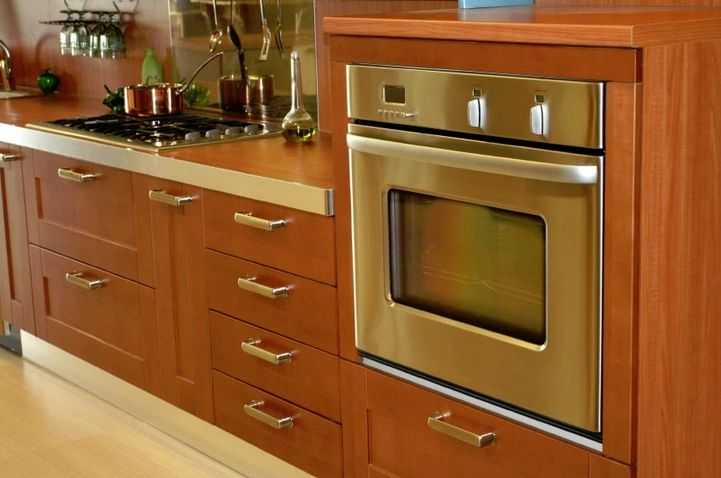 Build Custom Cabinets with CabinetCRUNCHER.