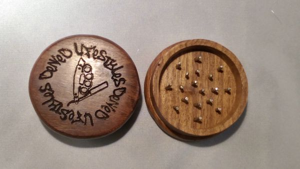 Dark Wood 2 Piece Grinder