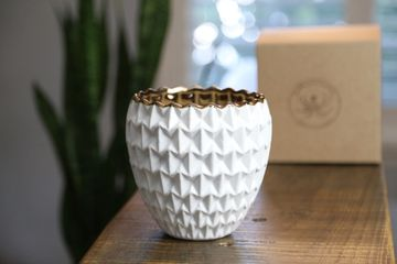Melrose Ceramic Container Soy Candle. Made in Indian Rocks Beach, Florida . Made with natural wicks