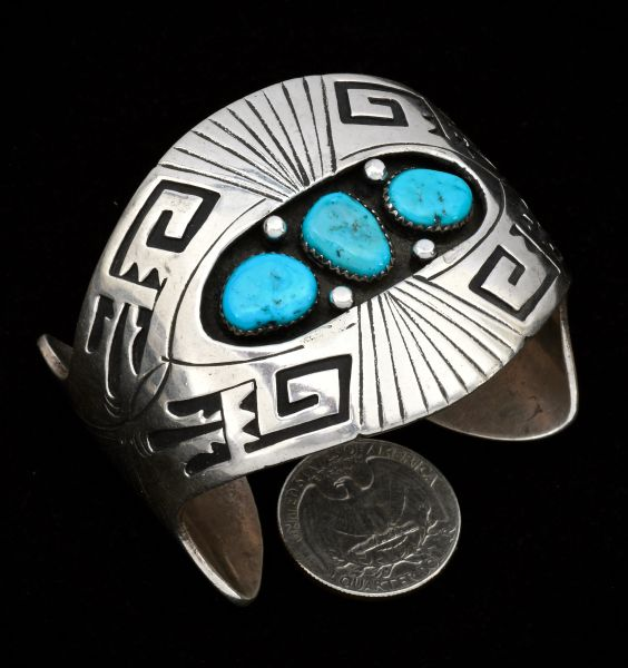 Dead-pawn Navajo double-overlay shadowbox cuff, by Kee Yazzie. #1303