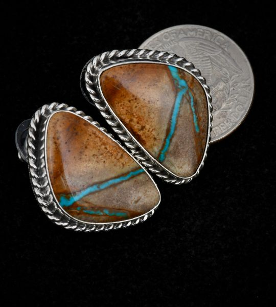 Royston ribbon turquoise studs, by Augustine Largo. #1506