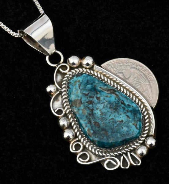 Navajo pawn pendant by Leslie Nez (with chain). #1512