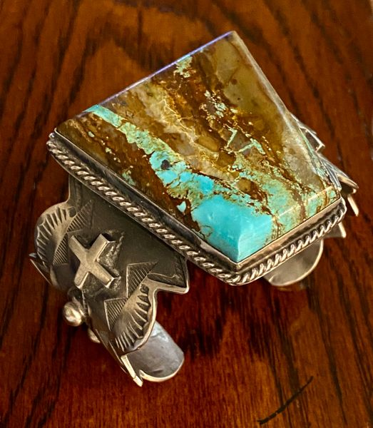 Chimney Butte ribbon turquoise one-of-a-kind trophy cuff. #1523—SOLD!