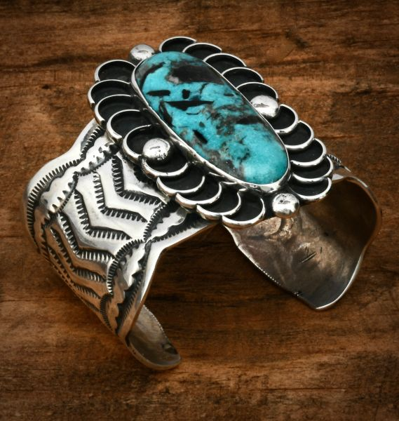 Wide, single turquoise hand-stamped Chimney Butte cuff. #1625