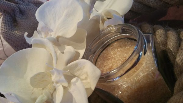 Tantalizing Lip Scrub