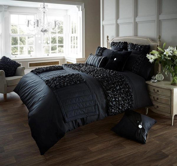 Verina black duvet cover