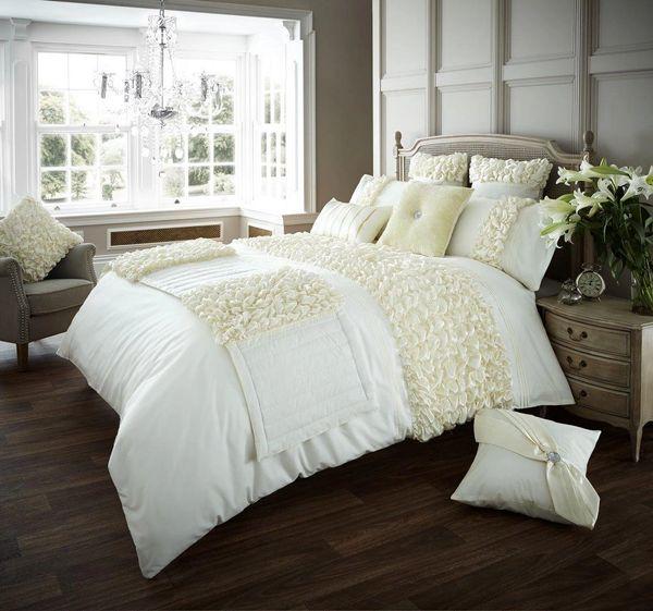 Verina cream cotton blend duvet cover