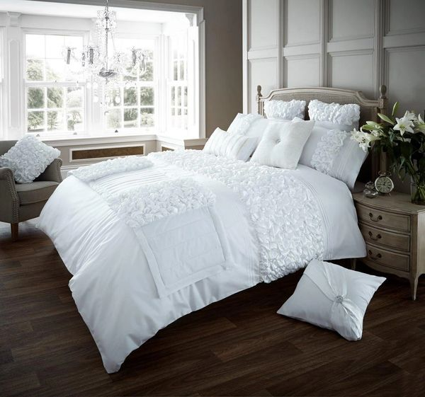 Verina white cotton blend duvet cover