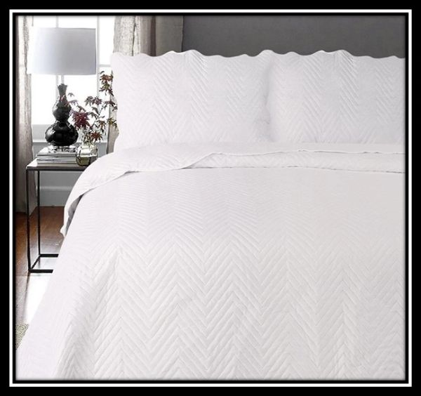 Arcade cream 3 piece bedspread