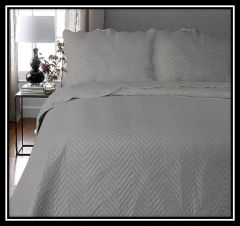 Arcade grey 3 piece bedspread