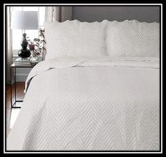 Arcade silver 3 piece bedspread