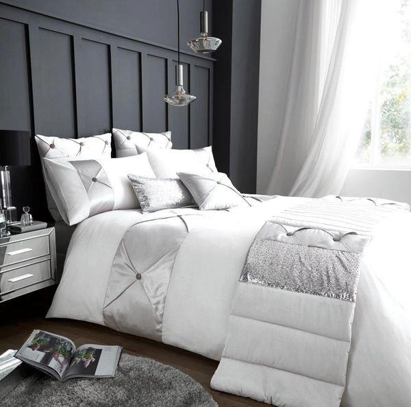 Lush white cotton blend duvet cover