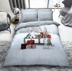 Winter Huskies duvet cover