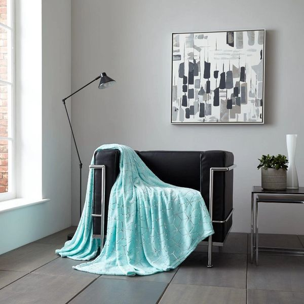 Metallic Cube aqua/silver throw
