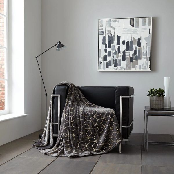 Metallic Cube charcoal/gold throw