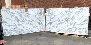 Italian Calacatta marble slabs look close to carrara white marble slabs and carrara tiles calacatta