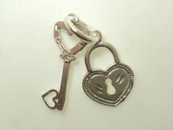 Heart Key & Lock Charm (JC-003)