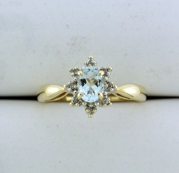 10k Oval Flower Aquamarine with Moissanite Halo Ring
