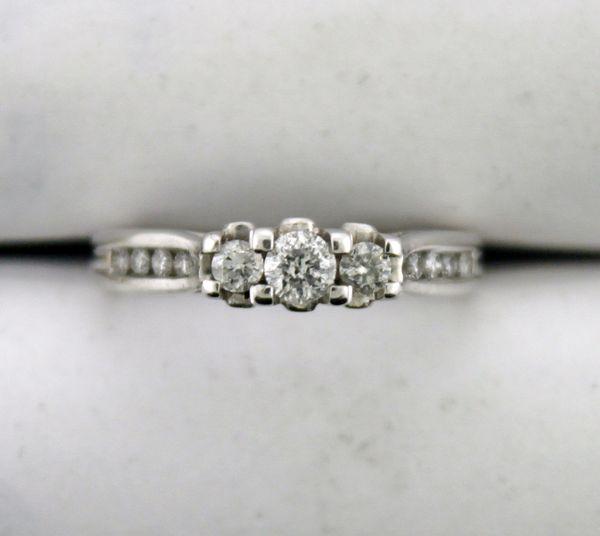 Three Stone Round Diamond Ring in 14K White Gold