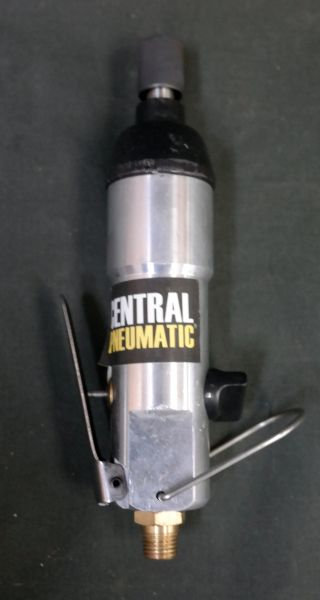 "Central Pneumatic #98896 1/2"" Reversible Air Drill"
