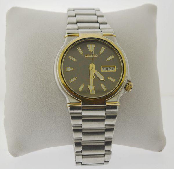 Vintage Men's Seiko Quartz Sports 150 Watch 7N0610 w/ 5G23 - 800 LT Movement
