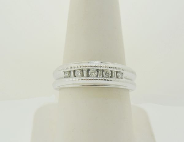14k White Gold Men's Baguette & Round Diamond Single Row Grooved Milgrain Wedding Band Ring
