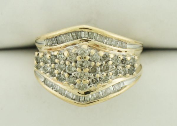 10K 1.20 Carat Diamond Cluster Dinner Ring