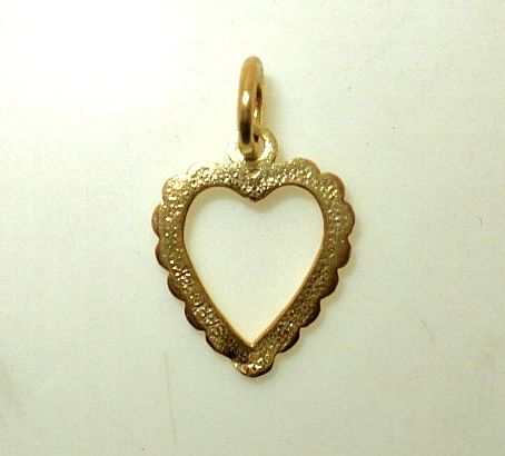 Cut-Out Filigree Heart Pendant (JC-648)