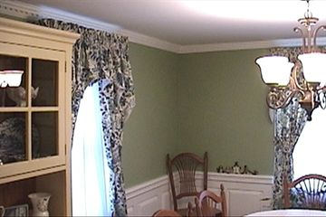 Painting Rooms, painting ceilings, painting trim & wainscot