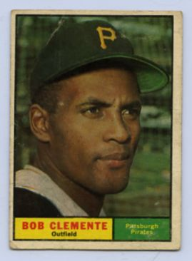 59. 1961 ROBERTO CLEMENTE TOPPS BASEBALL CARD #388