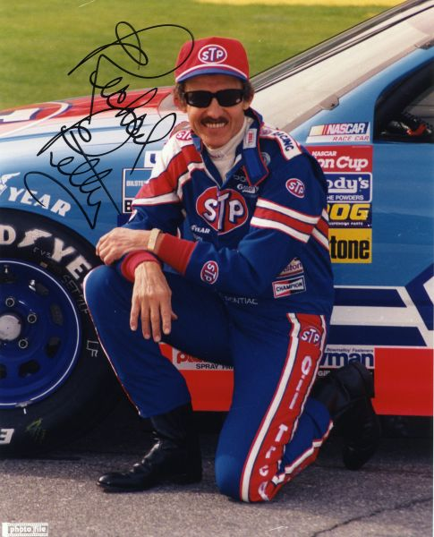 Richard Petty - Race Car Driver signed 8x10 photo