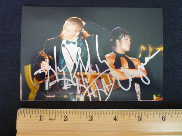 Triple H (HHH) and Chyna signed 4 x 6 photo
