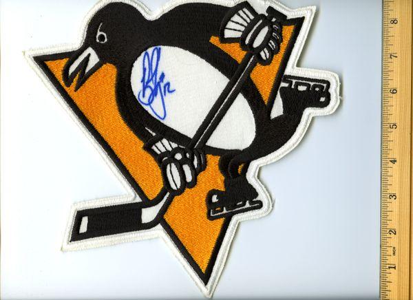 Bob Errey #12 signed Penguins jersey crest patch