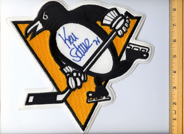 Kevin Stevens #25 signed Penguins jersey crest patch