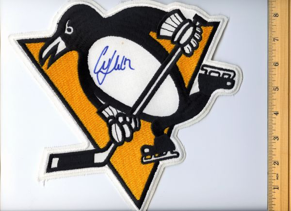 Martin Straka signed Penguins jersey crest patch
