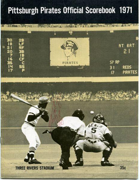 Roberto Clemente original autograph - 1971 Pittsburgh Pirate Scorebook