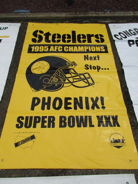 Pittsburgh Steelers, Super Bowl 30 City of Pittsburgh street banner
