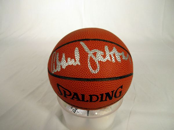 Kareem Abdul Jabbar, Los Angeles Lakers signed mini basketball