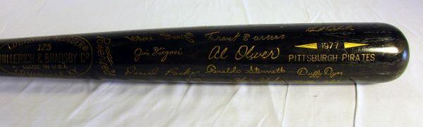 """1977 Pittsburgh Pirates """"Black Bat"""" with facsimile signatures"""