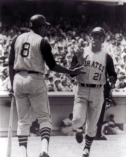 28. Willie Stargell & Roberto Clemente 8x10 photo