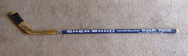 Chris Chelios - Montreal Canadiens - game used hockey stick - signed
