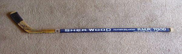 Chris Chelios - Chicago Blackhawks - game used hockey stick - signed