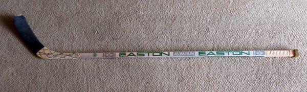Brett Hull - St. Louis Blues - game used hockey stick - signed