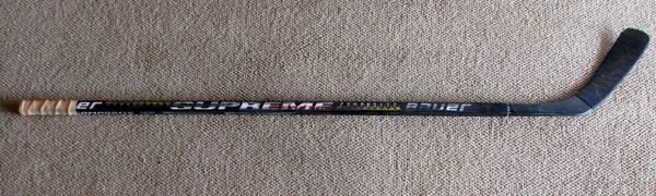 Pavel Bure - Vancouver Canucks - game used hockey stick - signed